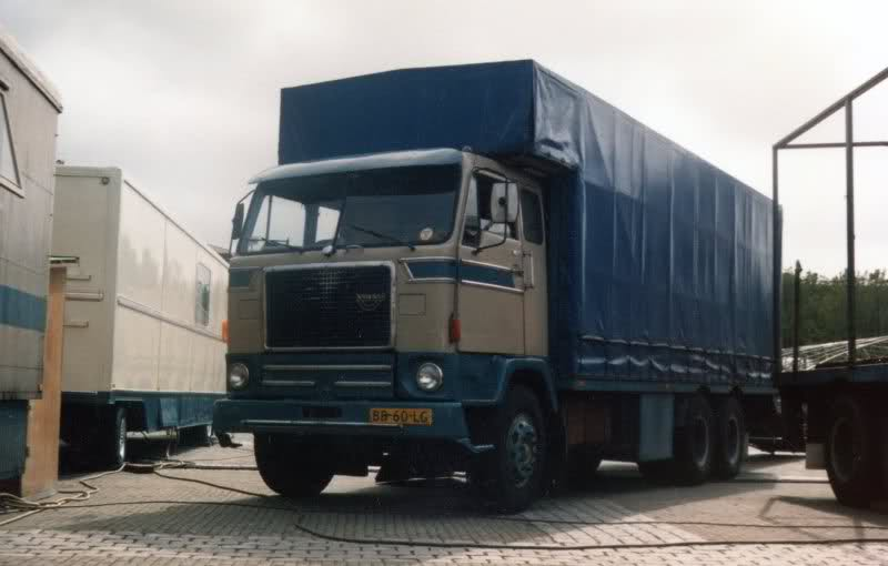Volvo F88 bakwagen.
