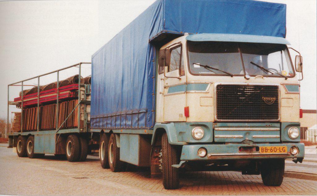 Volvo F88 met vloerenwagen